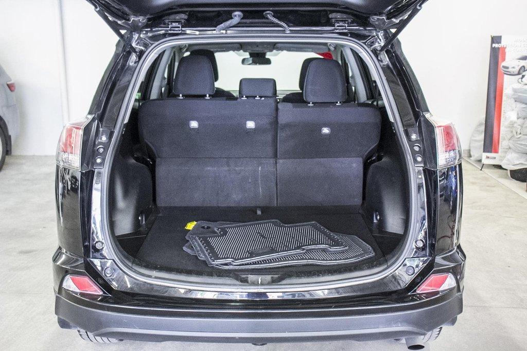 Toyota RAV4 LE/ AWD /Bluetooth / Caméra / Sièges Chauffants 2018 à Verdun, Québec - 36 - w1024h768px