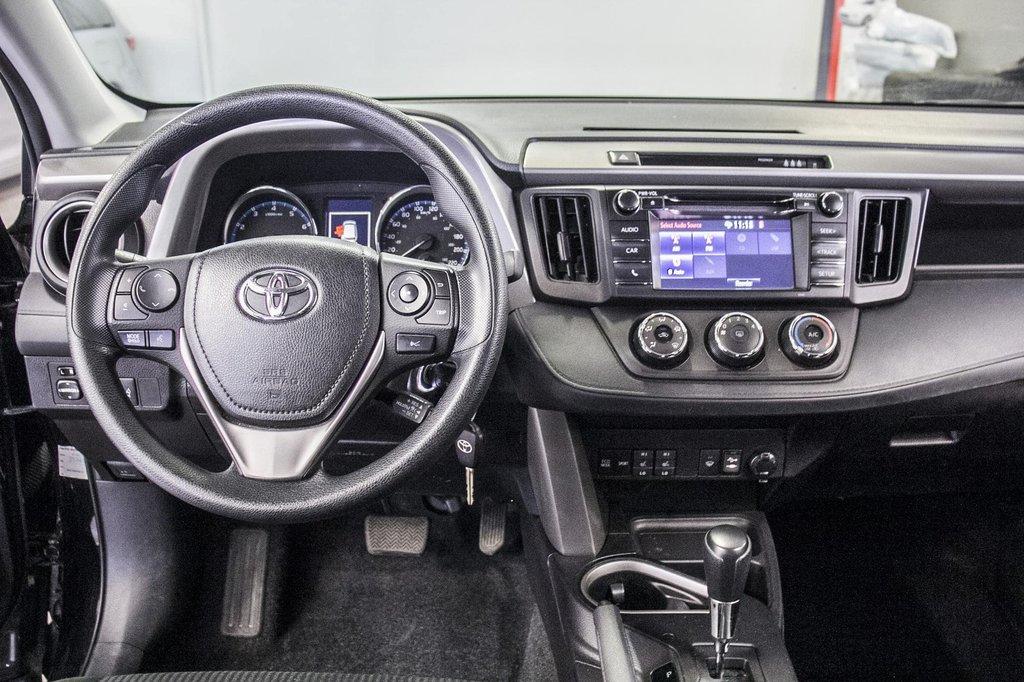 Toyota RAV4 LE/ AWD /Bluetooth / Caméra / Sièges Chauffants 2018 à Verdun, Québec - 17 - w1024h768px