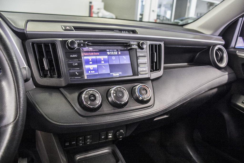 Toyota RAV4 LE/ AWD /Bluetooth / Caméra / Sièges Chauffants 2018 à Verdun, Québec - 22 - w1024h768px