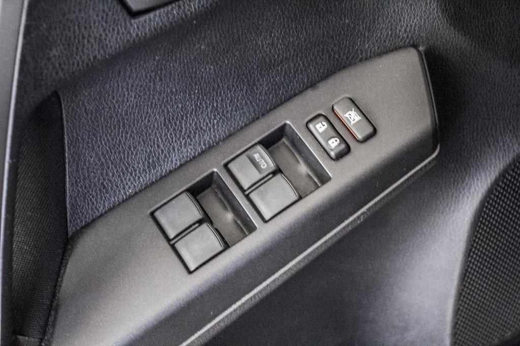 Toyota RAV4 LE/ AWD /Bluetooth / Caméra / Sièges Chauffants 2018 à Verdun, Québec - 35 - w1024h768px