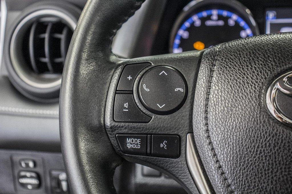 Toyota RAV4 XLE/AWD/Toit ouvrant / Caméra / Bluetooth/ 2018 à Verdun, Québec - 20 - w1024h768px