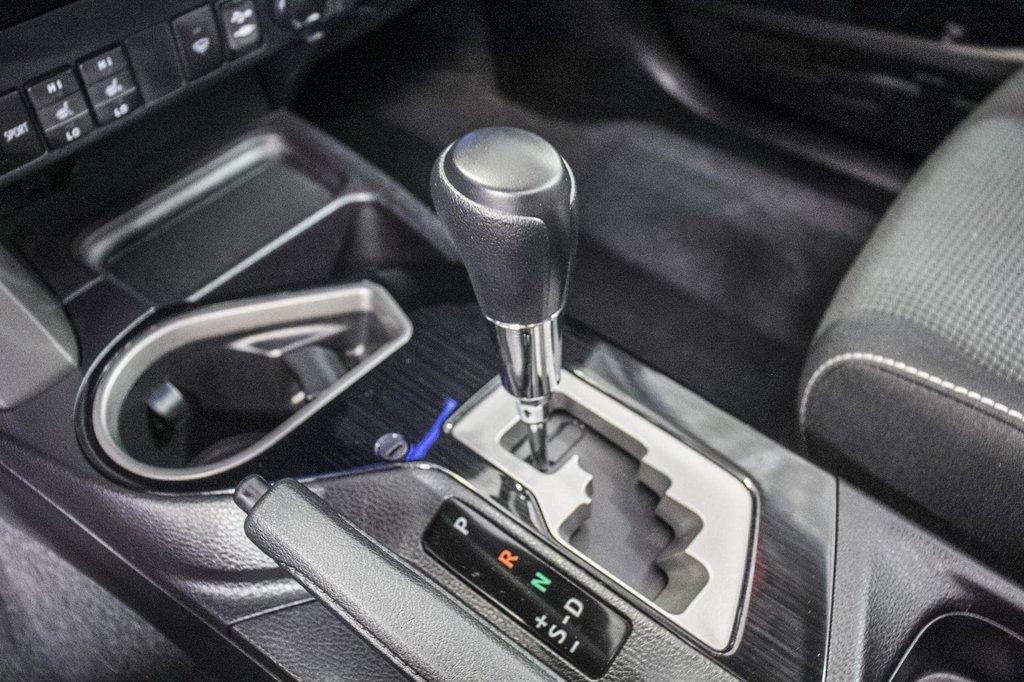 2018 Toyota RAV4 XLE/AWD/Toit ouvrant / Caméra / Bluetooth/ in Verdun, Quebec - 23 - w1024h768px