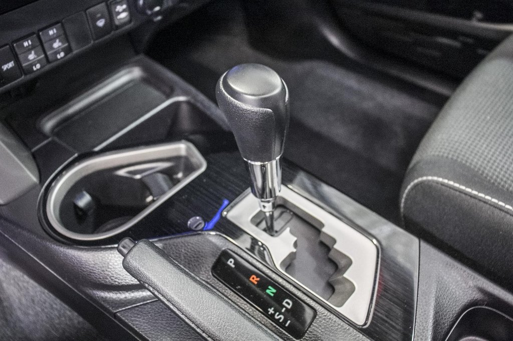 Toyota RAV4 XLE/AWD/Toit ouvrant / Caméra / Bluetooth/ 2018 à Verdun, Québec - 23 - w1024h768px