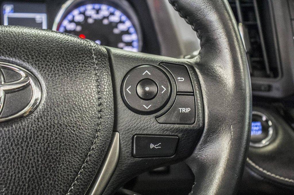 2018 Toyota RAV4 XLE/AWD/Toit ouvrant / Caméra / Bluetooth/ in Verdun, Quebec - 21 - w1024h768px