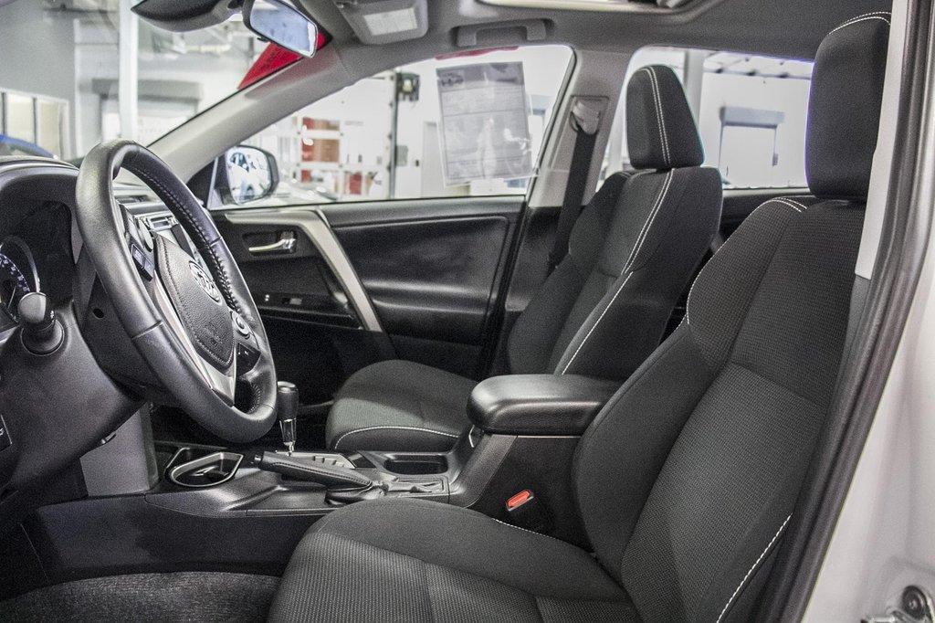 Toyota RAV4 XLE/AWD/Toit ouvrant / Caméra / Bluetooth/ 2018 à Verdun, Québec - 32 - w1024h768px