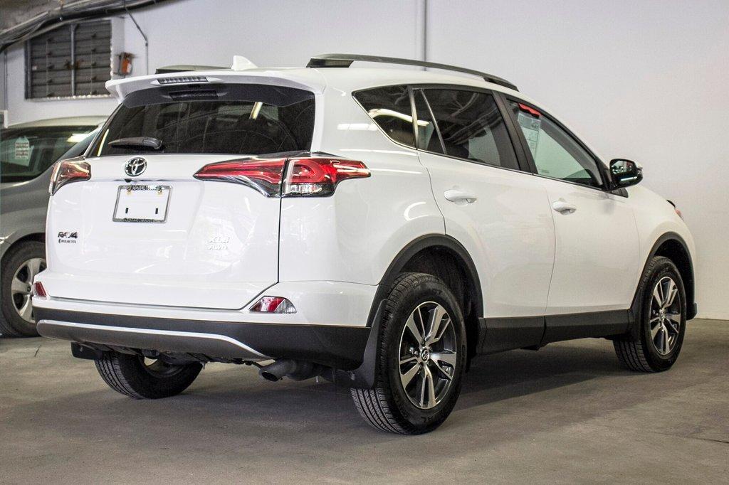 2018 Toyota RAV4 XLE/AWD/Toit ouvrant / Caméra / Bluetooth/ in Verdun, Quebec - 13 - w1024h768px