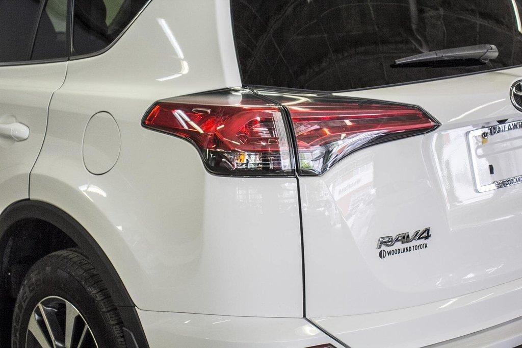 Toyota RAV4 XLE/AWD/Toit ouvrant / Caméra / Bluetooth/ 2018 à Verdun, Québec - 38 - w1024h768px