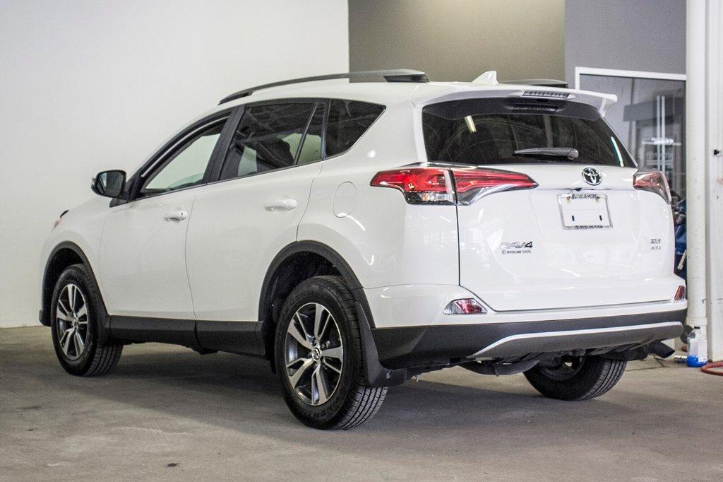 2018 Toyota RAV4 XLE/AWD/Toit ouvrant / Caméra / Bluetooth/ in Verdun, Quebec - 9 - w1024h768px
