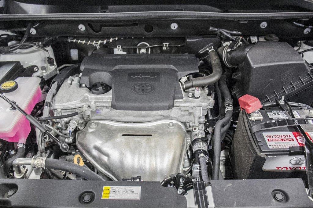2018 Toyota RAV4 XLE/AWD/Toit ouvrant / Caméra / Bluetooth/ in Verdun, Quebec - 41 - w1024h768px