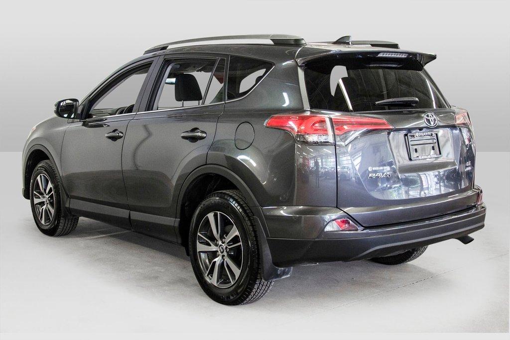 2018 Toyota RAV4 LE/ Awd / Bluetooth / Sièges chauffants ++ in Verdun, Quebec - 9 - w1024h768px
