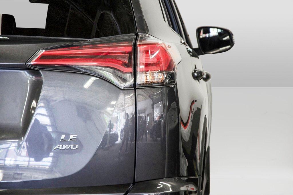 2018 Toyota RAV4 LE/ Awd / Bluetooth / Sièges chauffants ++ in Verdun, Quebec - 29 - w1024h768px
