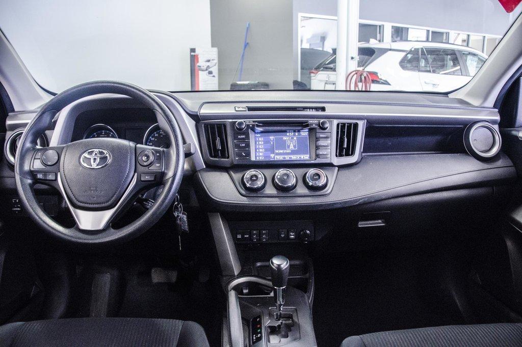 2018 Toyota RAV4 LE/ Awd / Bluetooth / Sièges chauffants ++ in Verdun, Quebec - 18 - w1024h768px