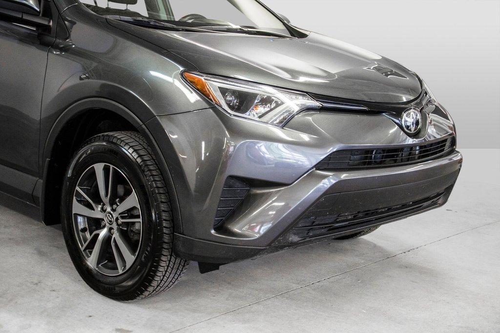 2018 Toyota RAV4 LE/ Awd / Bluetooth / Sièges chauffants ++ in Verdun, Quebec - 30 - w1024h768px
