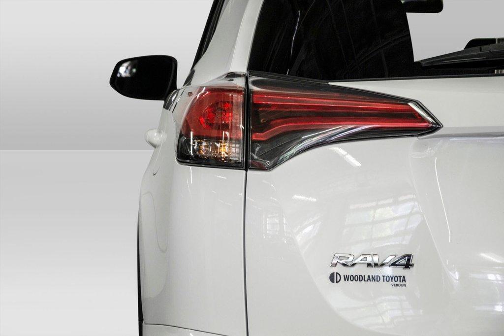 2018 Toyota RAV4 AWD / Caméra Recul / Mags / Bluetooth in Verdun, Quebec - 22 - w1024h768px