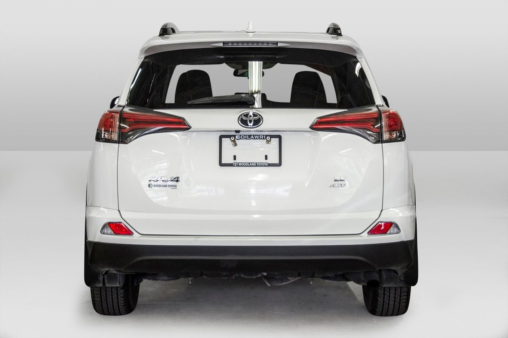 2018 Toyota RAV4 AWD / Caméra Recul / Mags / Bluetooth in Verdun, Quebec - 6 - w1024h768px