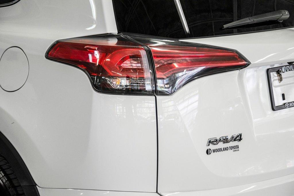 2018 Toyota RAV4 AWD / Caméra Recul / Mags / Bluetooth in Verdun, Quebec - 25 - w1024h768px