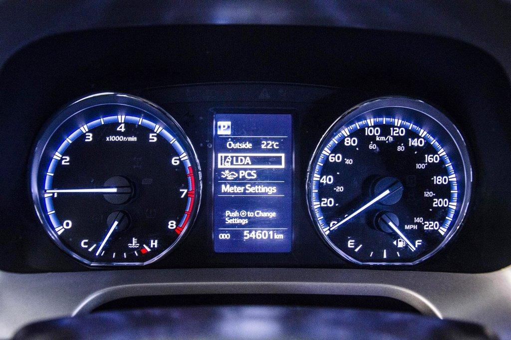 2018 Toyota RAV4 AWD / Caméra Recul / Mags / Bluetooth in Verdun, Quebec - 10 - w1024h768px