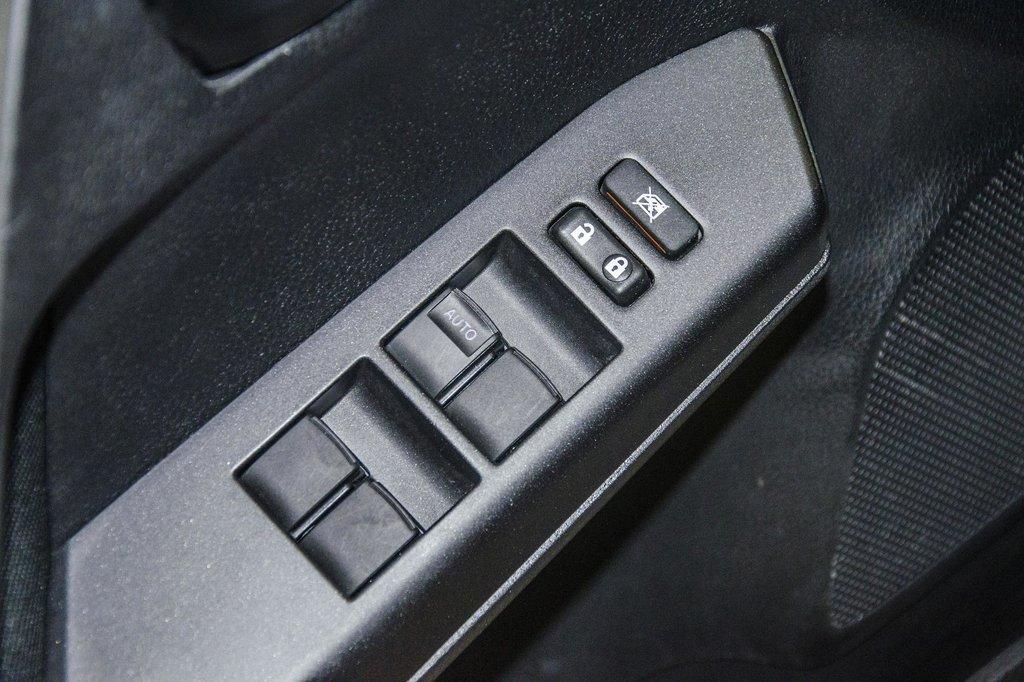 2018 Toyota RAV4 AWD / Caméra Recul / Mags / Bluetooth in Verdun, Quebec - 19 - w1024h768px