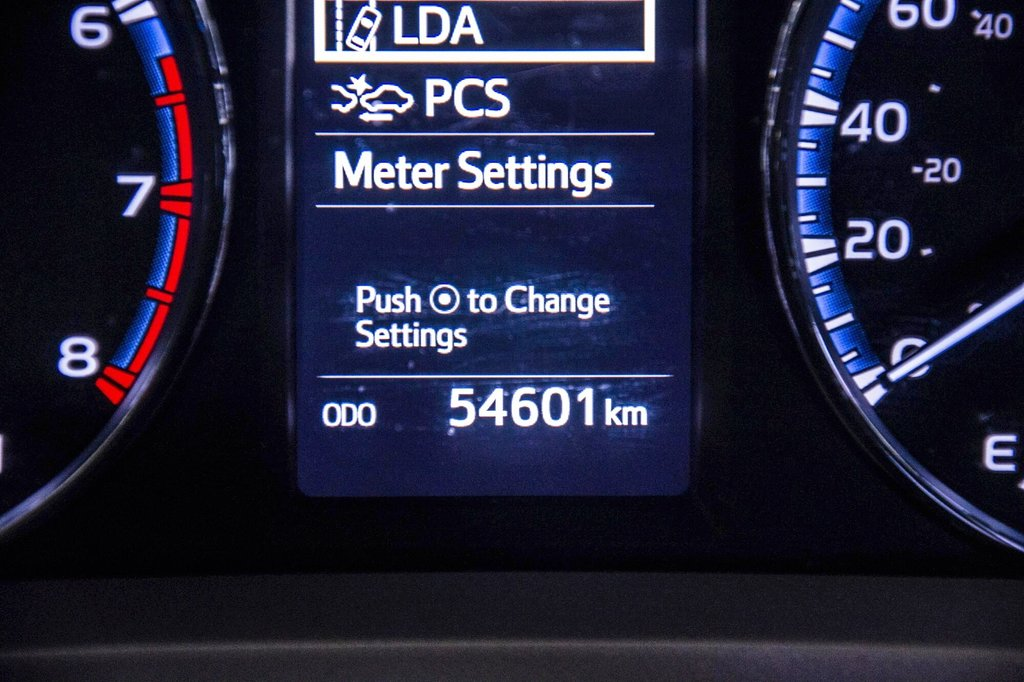 2018 Toyota RAV4 AWD / Caméra Recul / Mags / Bluetooth in Verdun, Quebec - 12 - w1024h768px