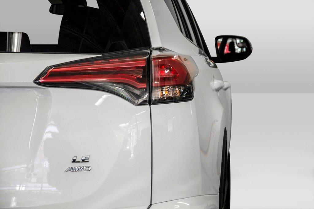 2018 Toyota RAV4 AWD / Caméra Recul / Mags / Bluetooth in Verdun, Quebec - 23 - w1024h768px