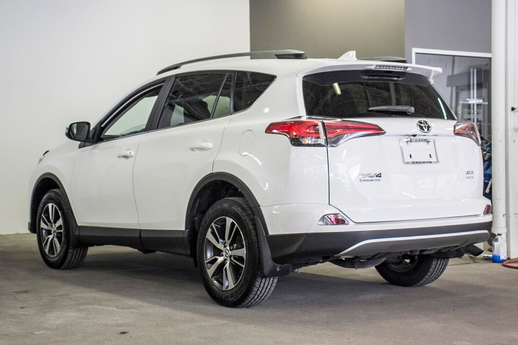 2018 Toyota RAV4 AWD XLE in Verdun, Quebec - 9 - w1024h768px
