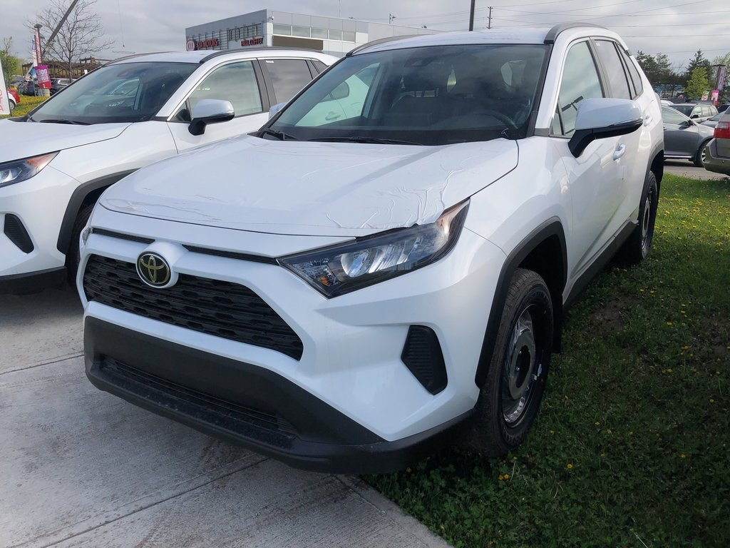 2019 Toyota RAV4 LE in Bolton, Ontario - 1 - w1024h768px