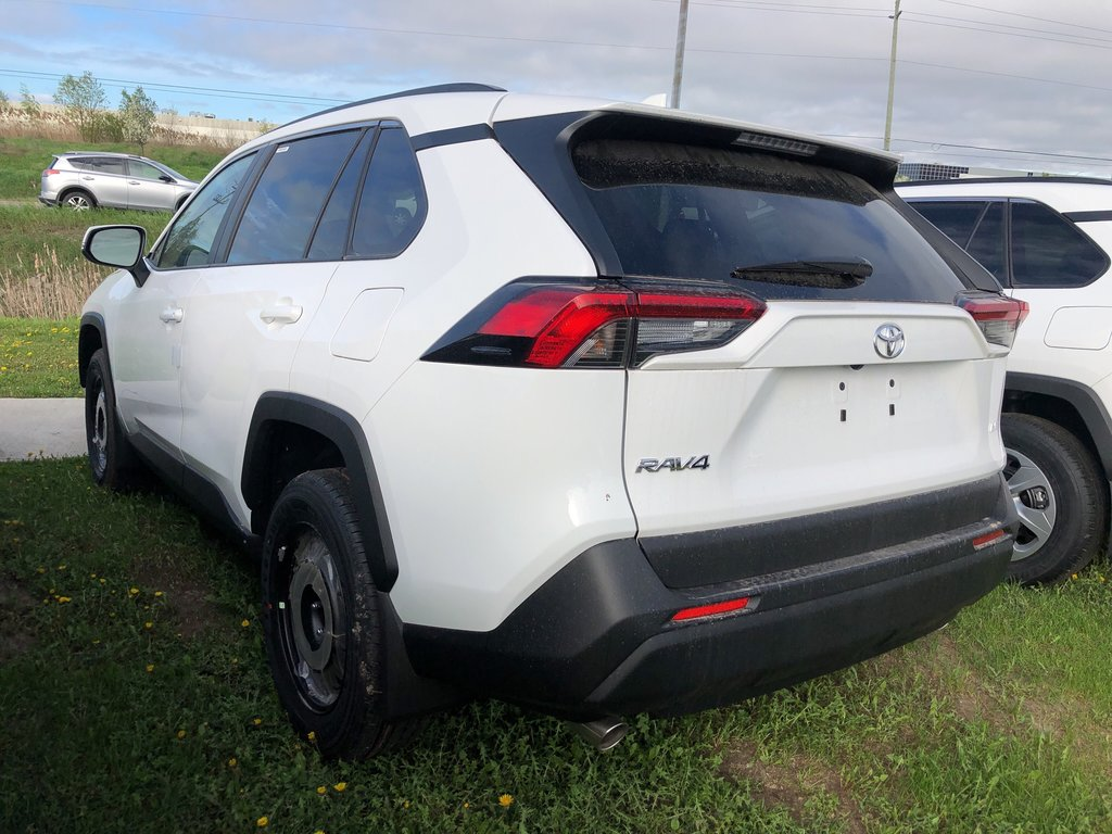 2019 Toyota RAV4 LE in Bolton, Ontario - 5 - w1024h768px