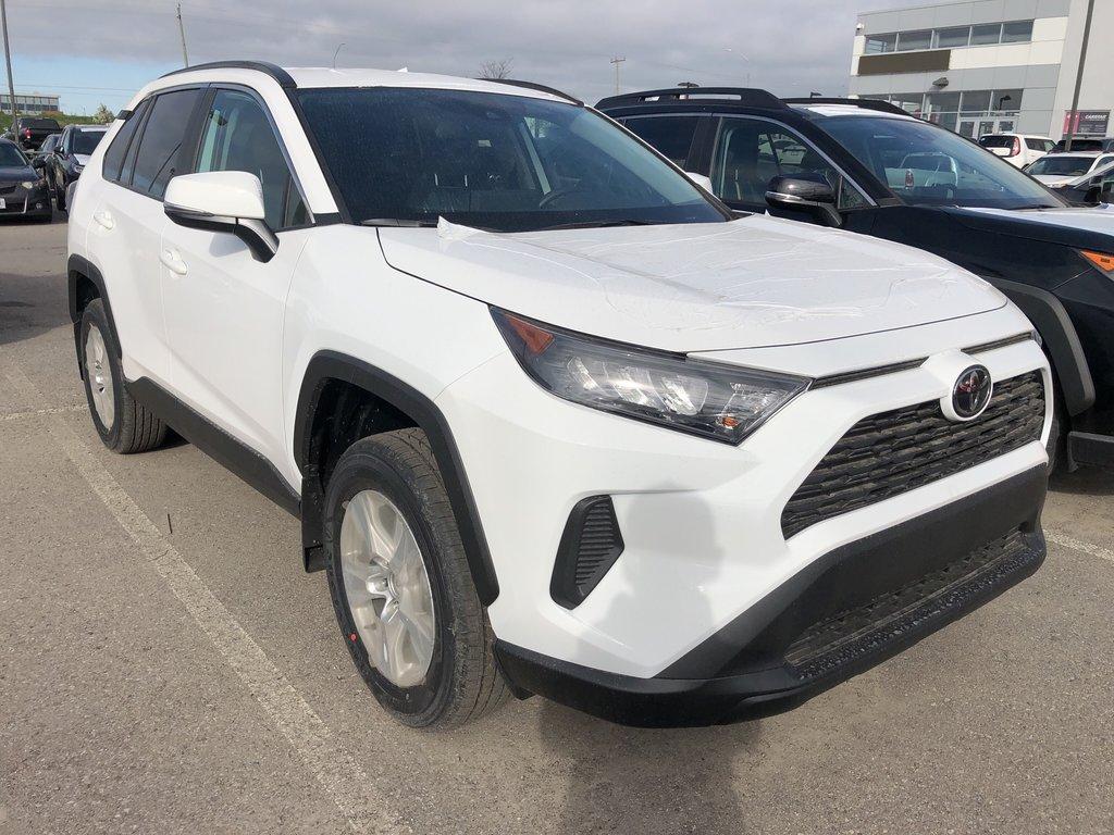 2019 Toyota RAV4 LE in Bolton, Ontario - 3 - w1024h768px