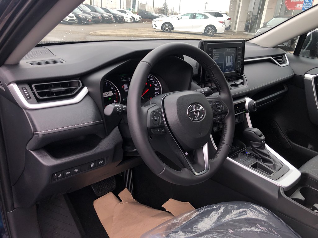 2019 Toyota RAV4 XLE in Bolton, Ontario - 10 - w1024h768px