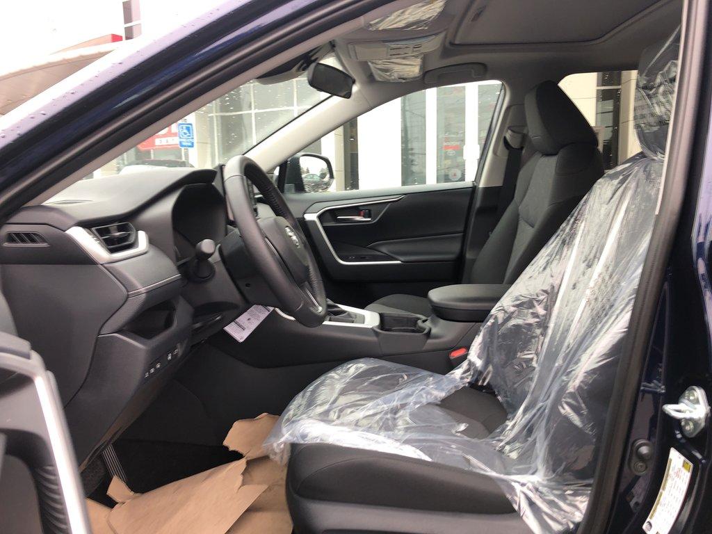 2019 Toyota RAV4 XLE in Bolton, Ontario - 11 - w1024h768px