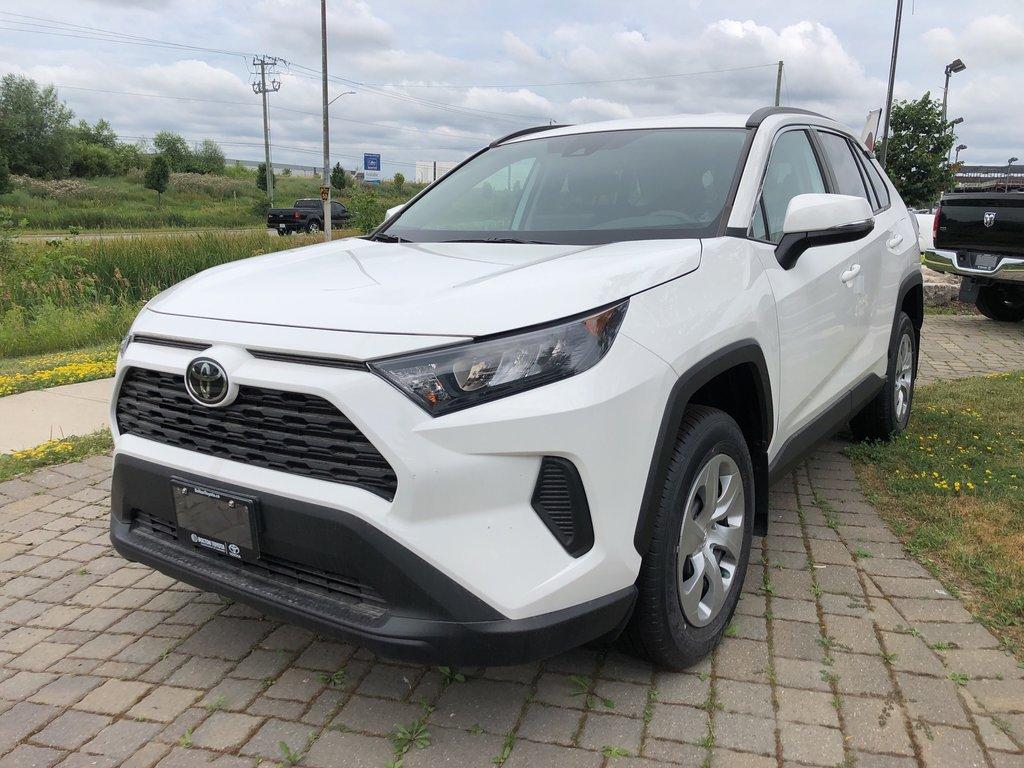 2019 Toyota RAV4 LE in Bolton, Ontario - 1 - w1024h768px
