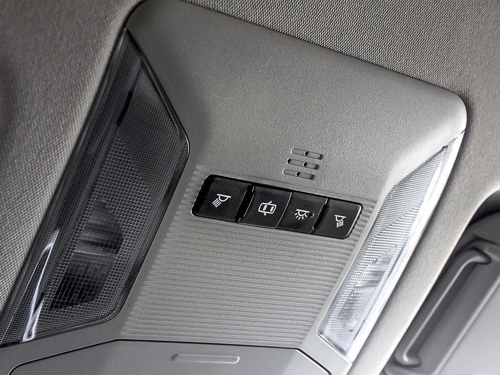 Toyota RAV4 AWD LE 2019 à Verdun, Québec - 19 - w1024h768px