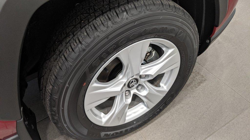 2019 Toyota RAV4 AWD LE in Regina, Saskatchewan - 17 - w1024h768px