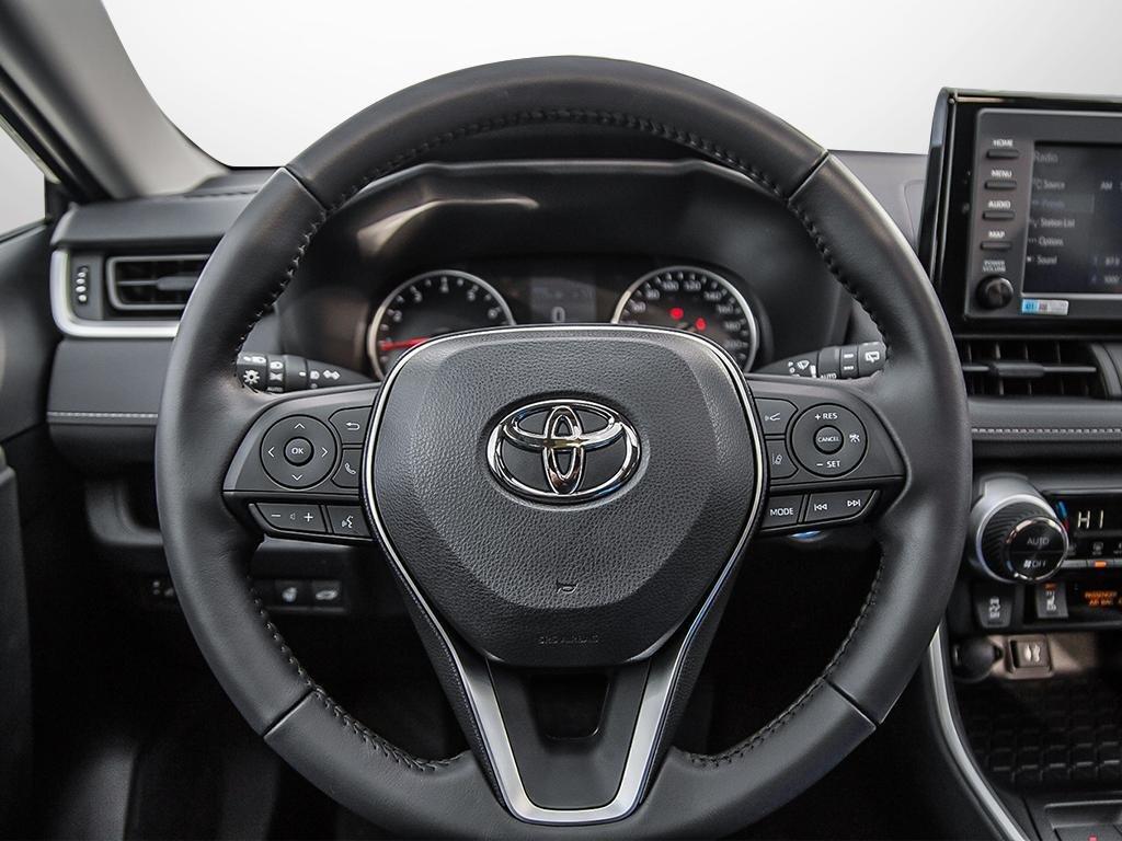 Toyota RAV4 XLE 2019 à Verdun, Québec - 13 - w1024h768px