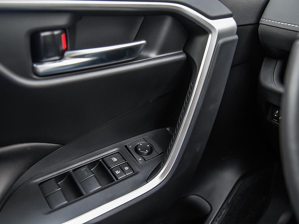Toyota RAV4 XLE 2019 à Verdun, Québec - 16 - w1024h768px