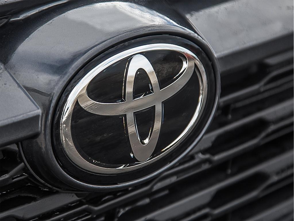Toyota RAV4 XLE 2019 à Verdun, Québec - 9 - w1024h768px