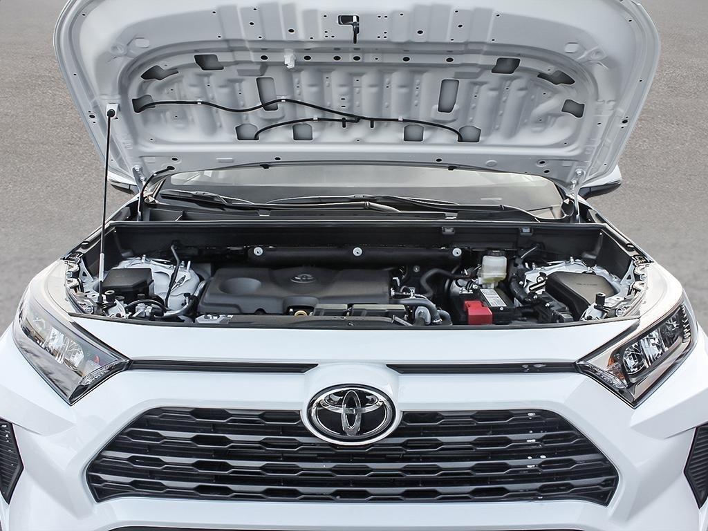 Toyota RAV4 AWD LE 2019 à Verdun, Québec - 6 - w1024h768px