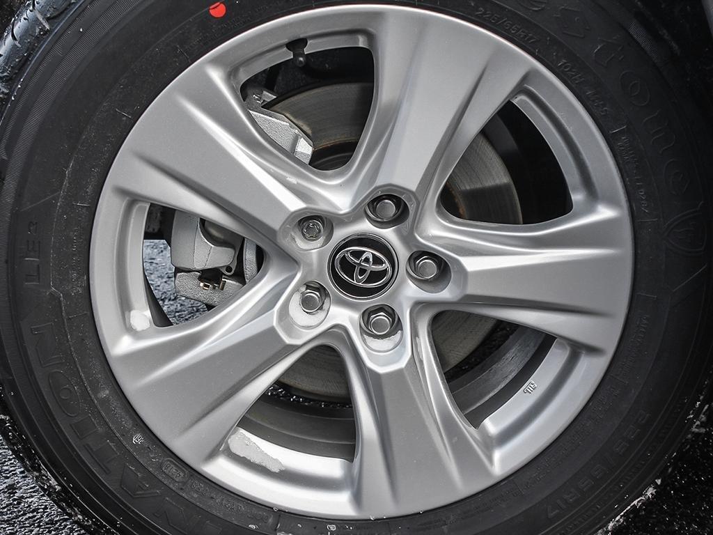Toyota RAV4 AWD LE 2019 à Verdun, Québec - 8 - w1024h768px