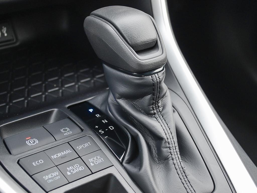 Toyota RAV4 AWD XLE 2019 à Verdun, Québec - 17 - w1024h768px