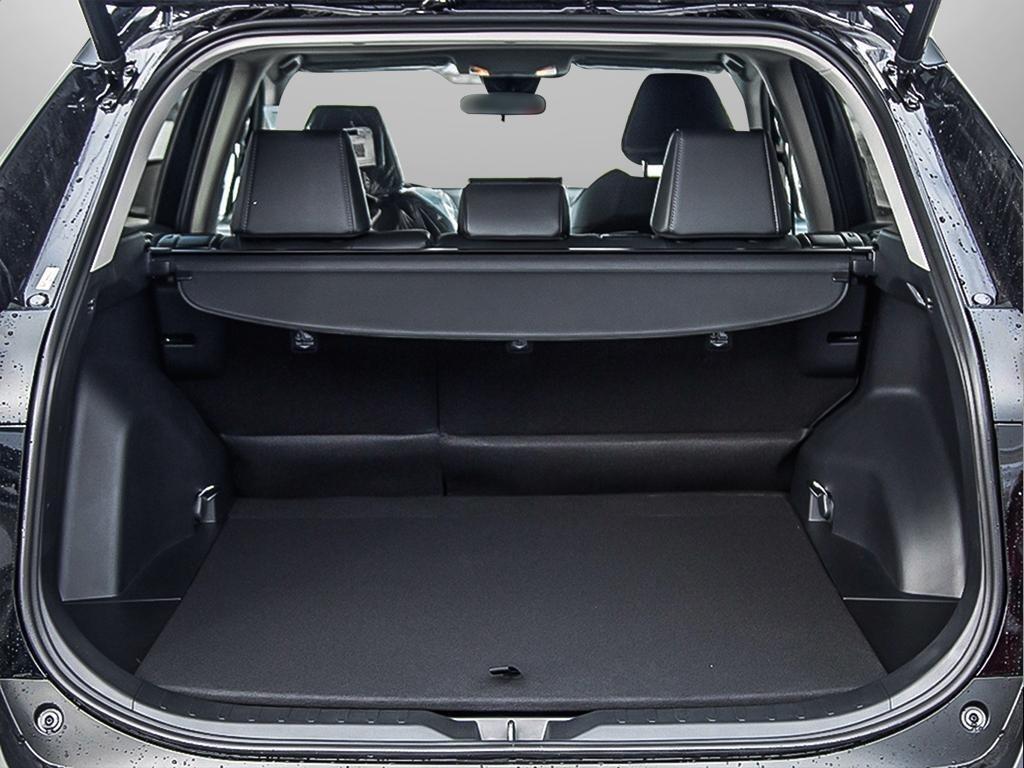Toyota RAV4 AWD XLE 2019 à Verdun, Québec - 7 - w1024h768px