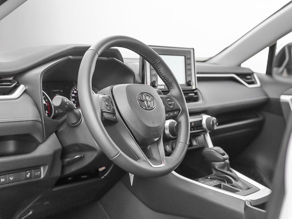 Toyota RAV4 FWD XLE 2019 à Verdun, Québec - 12 - w1024h768px