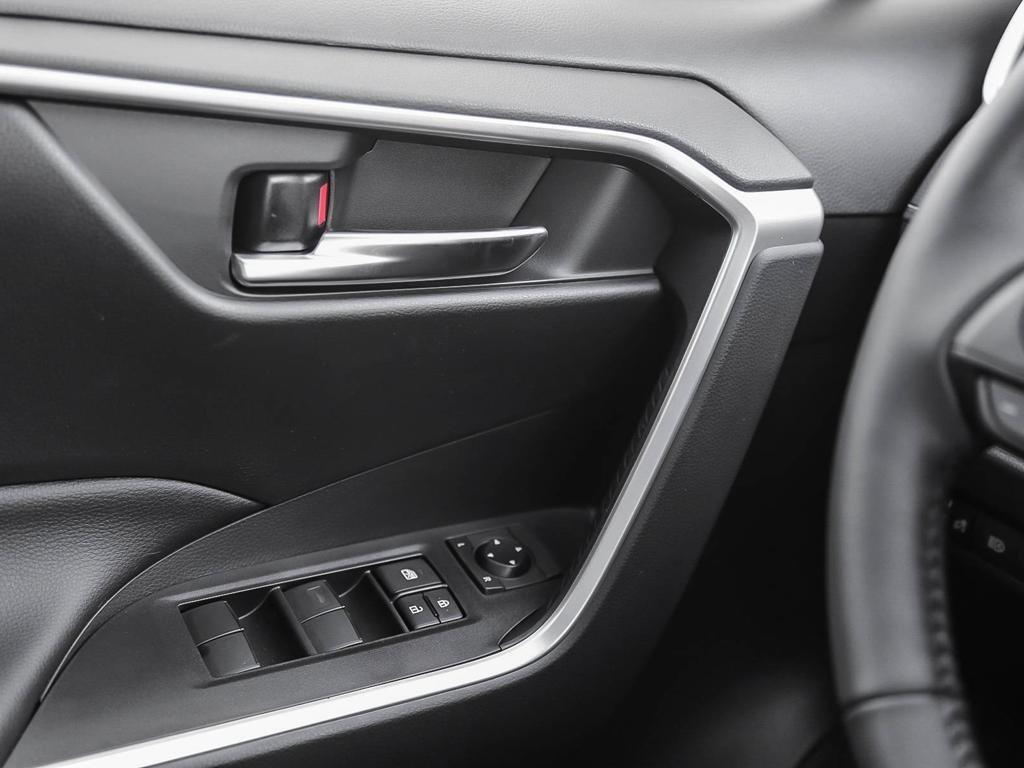 Toyota RAV4 FWD XLE 2019 à Verdun, Québec - 16 - w1024h768px