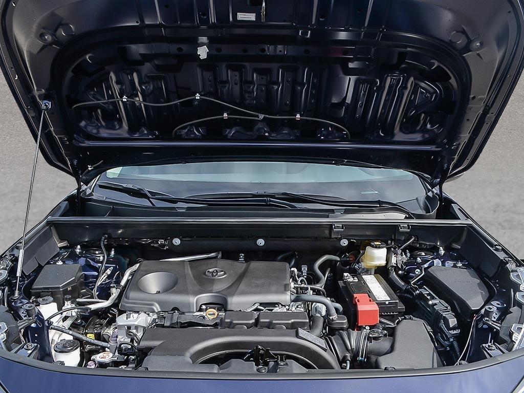 Toyota RAV4 FWD XLE 2019 à Verdun, Québec - 6 - w1024h768px