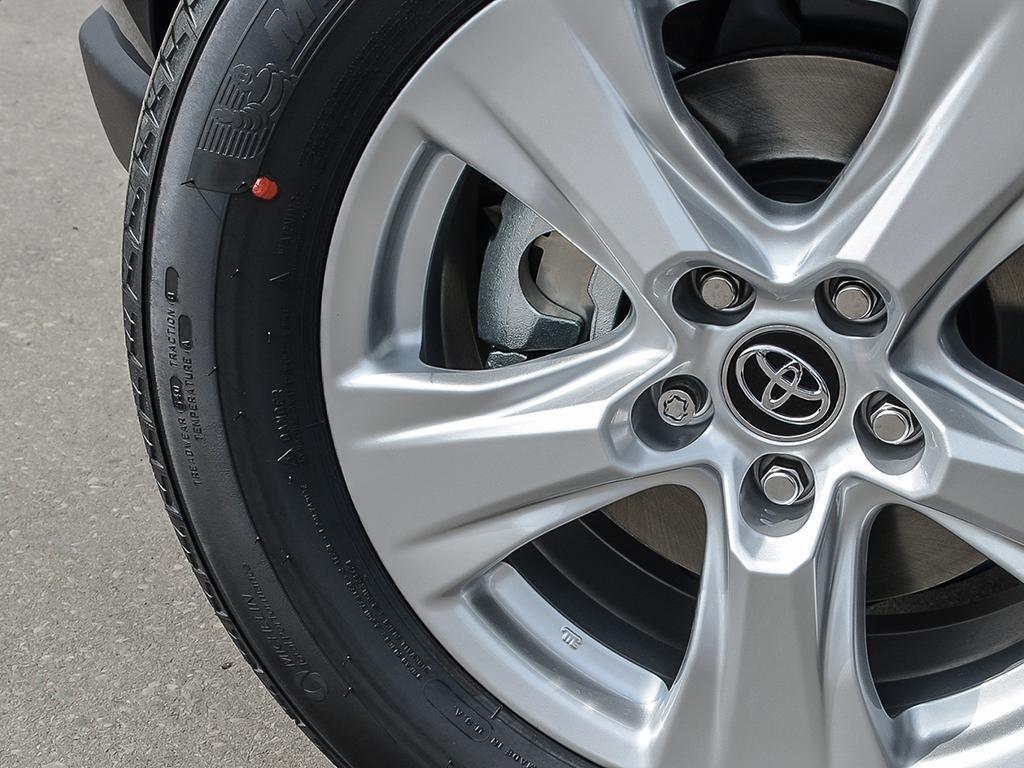 Toyota RAV4 FWD XLE 2019 à Verdun, Québec - 8 - w1024h768px