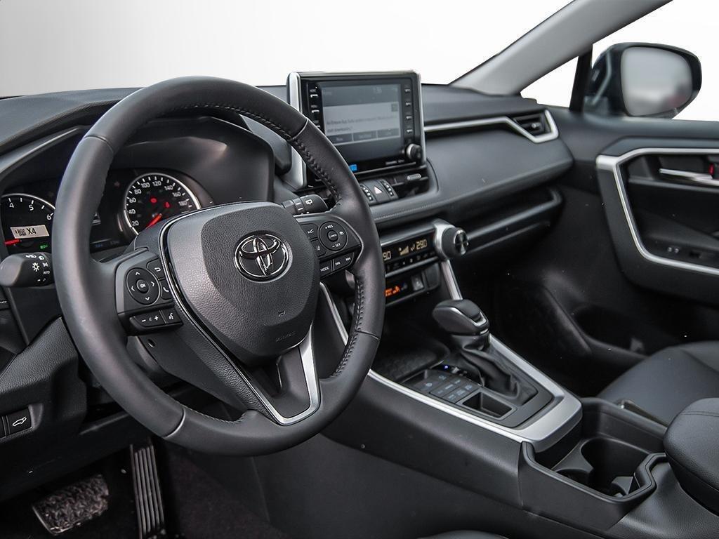 Toyota RAV4 AWD XLE 2019 à Verdun, Québec - 12 - w1024h768px