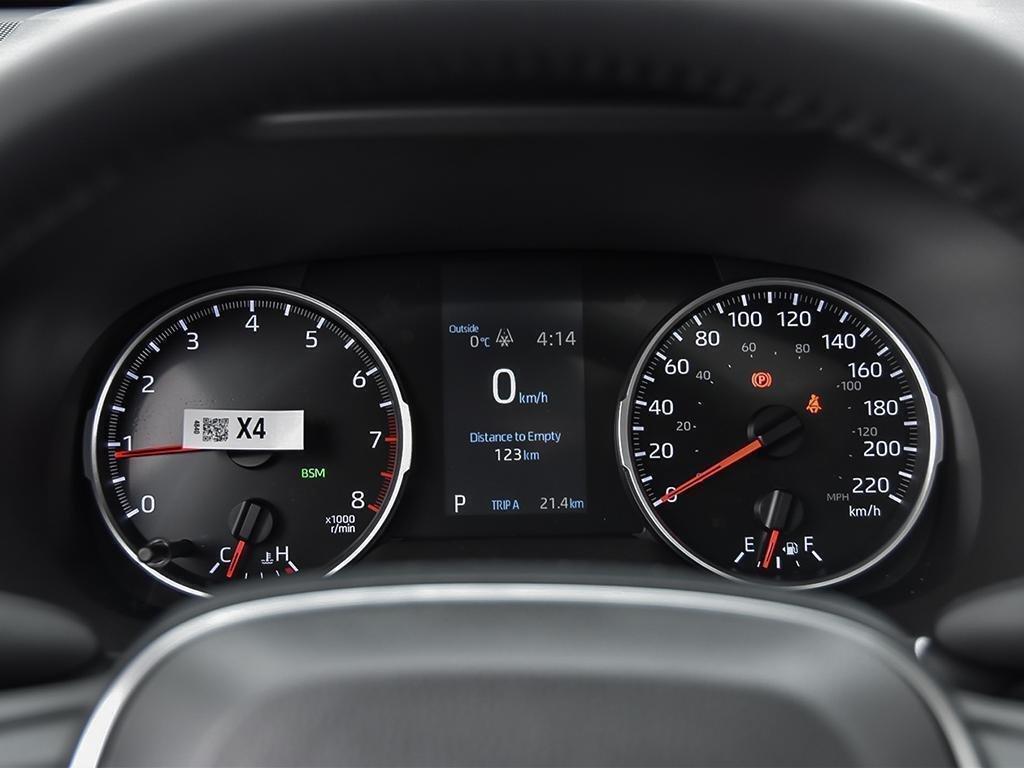Toyota RAV4 AWD XLE 2019 à Verdun, Québec - 14 - w1024h768px