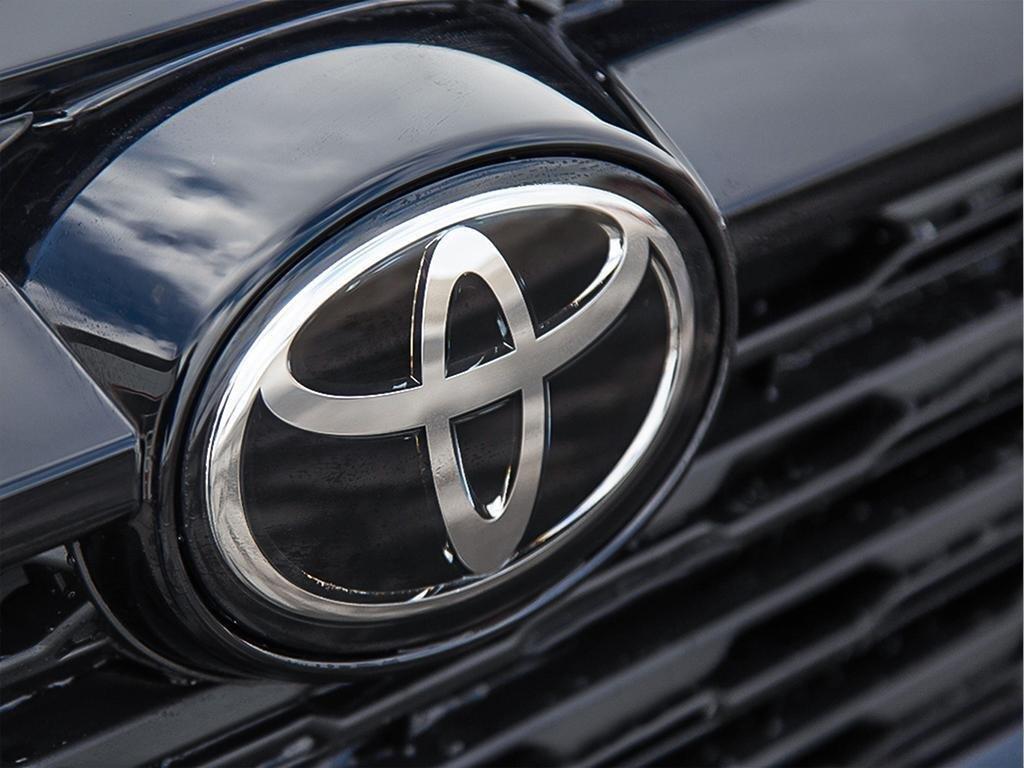 Toyota RAV4 AWD XLE 2019 à Verdun, Québec - 9 - w1024h768px