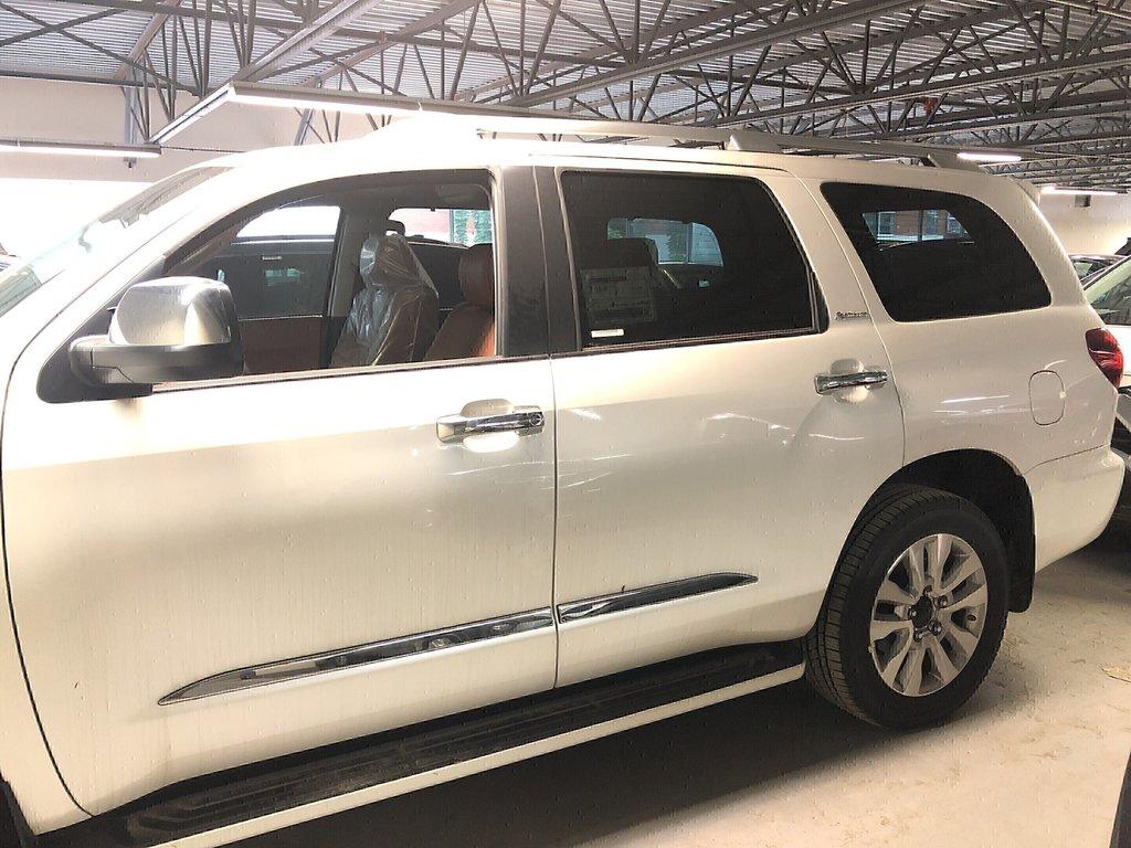 Toyota Sequoia Platinum 2019 à Verdun, Québec - 5 - w1024h768px