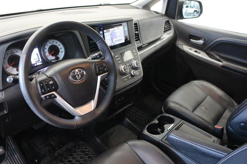 2015 Toyota Sienna SE 8-Pass V6 6A in Regina, Saskatchewan - 9 - w1024h768px