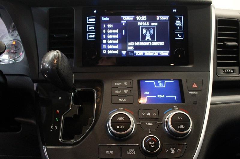 2015 Toyota Sienna SE 8-Pass V6 6A in Regina, Saskatchewan - 7 - w1024h768px